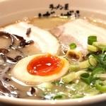 ばーばら - 料理写真:鶏塩白湯ラーメン
