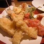 山野屋 - 最初にくる天ぷら盛り合わせ