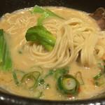 らーめん みふく - 鳥白湯の麺