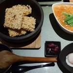 47609355 - 海鮮チゲ。五穀米&温玉添え。