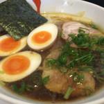 麺屋 169 - 中華そば醤油 味付け玉子(700+100円)
