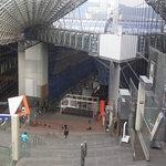 ル・タン - 大階段の上から見下ろす