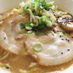 ヤマト - 味噌ラーメン600円です。 こちらも豚骨ではなく、鶏ベースの味噌スープです。