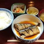 山根 - お食事処 山根 @中板橋 煮魚定食(秋刀魚) 650円(税込) ご飯少な目