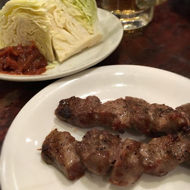 かぶら屋 新宿三丁目店 - 久々に立ち飲み!楽しい〜〜(*^_^*)キャベツはマヨなしで。