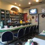 クロエコーヒーハウス - コンパクトな店内