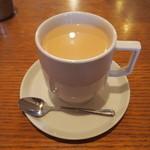 47624673 - *ゆげ焙煎所さんのスペシャリティーコーヒー*                       ミルクコーヒー(HOT)