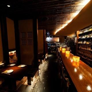 【大人の隠れ家】夜に合う落ち着いた雰囲気の店内