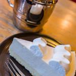 コメダ珈琲店 - 料理写真:雪白(レアチーズケーキ)