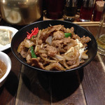 麺飯食堂 八右衛門 - 大肉飯