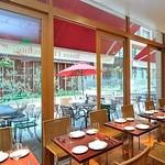 肉ビストロ&クラフトビール ランプラント - カジュアル&居心地の良い空間です。