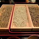 天晴酒場 - 石臼挽き茨城産玄粉太麺・細麺、オリジナルブレンド蕎麦粉細麺