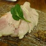 ポンテバレーノ - ◆自家製ハム(700円:外税)・・これ美味しい。モモ肉の旨みを感じますし、ボリュームもありますよ。