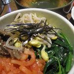 4764145 - 定食セットのミニビビンバとスープ