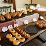 手作りパン ふくふく - 美味しそうなパンが並びます
