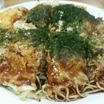 Sonia - 定番 肉玉そば820円。