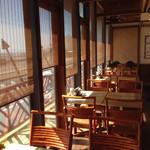 リキ リキ デリ - 2F席は窓から湘南海岸一望