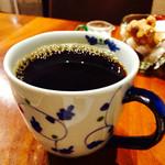 47659679 - ワタクシがカフェ巡りを始めたキッカケとなった、堀口珈琲のブレンド。本日は♯6をLサイズで。