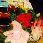 横浜風しゃぶしゃぶ鍋と焼酎・地酒居酒屋 甕仙人 関内蔵 - 手前がヒラ金目