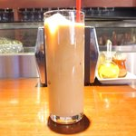 47662065 - イベリコローストポーク丼 1100円 のアイスカフェオレ