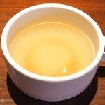 47662141 - イベリコローストポーク丼 1100円 のスープ
