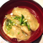 47671883 - 炊き餃子 お肉たっぷり、出汁が美しい