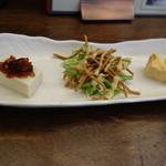 soba みのり - 前菜:蕎麦豆腐、サラダ、出汁巻玉子