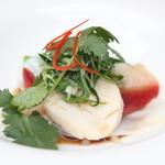 ヌーベルシノワ 玻璃 - 本日の海鮮三種のさっと湯引き 香港スタイルのあっさり醤油ソース