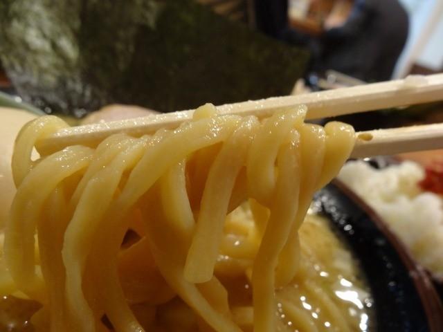 横浜家系ラーメン 荻窪商店 - 「荻窪商店」麺は四之宮製麵を柔らかめ注文