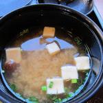 ゆりの木 - 豆腐、なめこの味噌汁