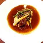 ビストロリュエル - 料理写真:〈メイン〉ホホ肉の赤ワイン煮込み +200円
