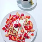 ヴァニエール - ビターな珈琲がショートケーキにぴったり。