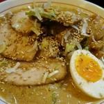 まる久 - 味噌チャーシュー麺
