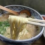 らーめん専科 力雅 - 力雅手打ちらーめん(600円)麺リフト