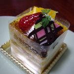 ケーキハウス ヒガシ - ケーキ