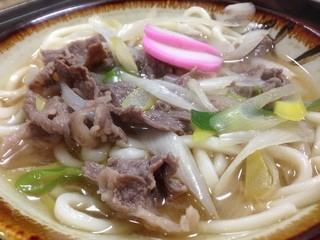 竹八食堂 - 肉うどん。とにかくダシの効いた汁がうまいんです。