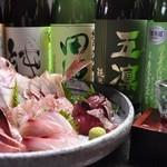 こだわり抜いた鮮魚・日本酒、自慢の漁師鍋。