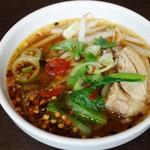 バンコクキッチン - グイッティオガイ・鶏スープ麵
