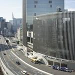 バンコクキッチン - 窓からの眺望=有楽町マリオンと首都高速道路