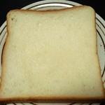 ハーヴェスト - 料理写真:食パン(1斤216円)