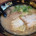 元祖 博多中洲屋台ラーメン 一竜 - 一竜ラーメン590円