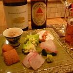 47713976 - 前菜、白ボトル、瓶ビール16.1