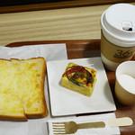 コーヒースタンド 36℃ - モーニングセット、ケーキサレ なすとゆで卵タルタル風