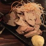 楽焼楽酒 富士屋 - 純和鶏のレバ刺し(湯引き)ドアップ