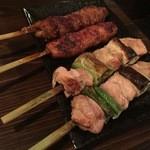 楽焼楽酒 富士屋 - 純和鶏モモ串と美保野ポークつくね