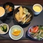 良寿し - 料理写真:天丼セット、1080円です。