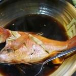 福浦漁港 みなと食堂 - まるごと一匹 金目鯛の煮付(中) 3,200円