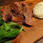 インダストリアル肉バル 夜カフェ DOWNTOWN BEER87 - リブロースステーキ タリアータ 薄切り(タリアータ)リブロース。