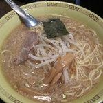 江川亭 - 江川亭 新座店:中華麺大盛(太い麺)