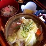 なごみ野 - 高菜めしとダゴじるのセット(≧∇≦)